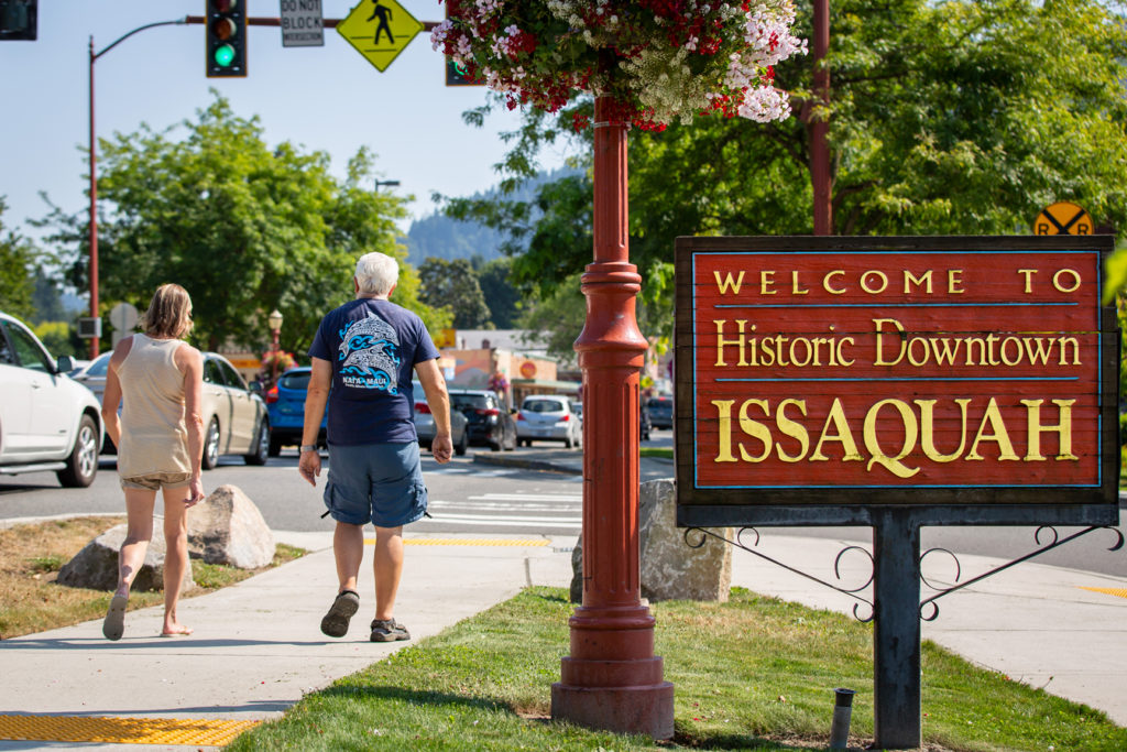 downtown issaquah wa sign